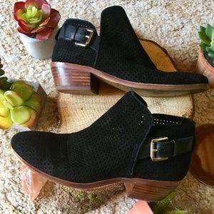 Sam Edelman Shoes - {Sam Edelman} Classic Black Buckle Wood Booties, 5